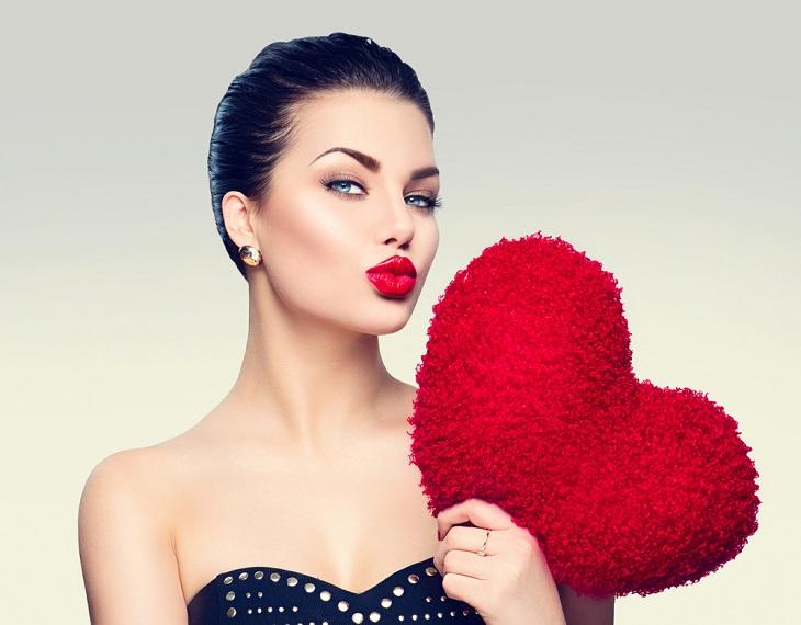 Модель с красивыми губами