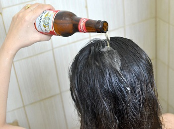 Нанесение пива на волосы
