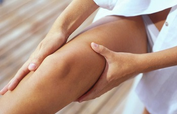 Что делать если болит бедро правой или левой ноги в верхней части и на внутренней поверхности